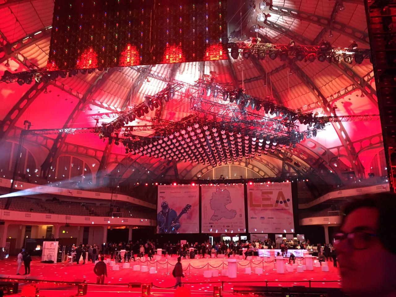 PRG XL Video Bühne in der Festhalle
