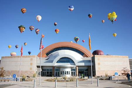 etc ballonmuseum outside